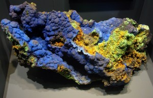 Azurite_with_Malachite_-_National_Museum_of_Natural_History_-_Washington,_D.C.